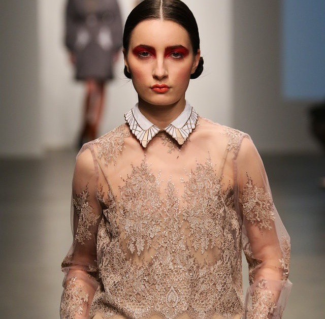 Swooning over this collar @KattyXiomara presented at the #Nolcha Fashion week shows