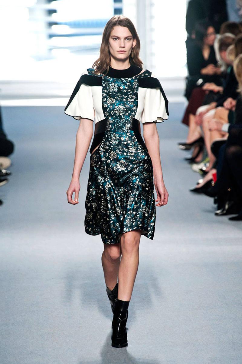 Loving Louis Vuitton modern take on florals.